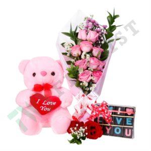 Bunga buket dan boneka