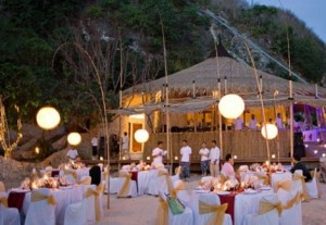 pesta-pernikahan-romantis