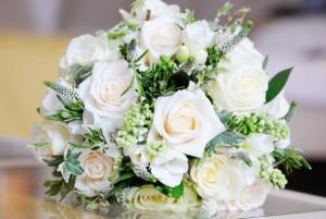 buket bunga pernikahan natural