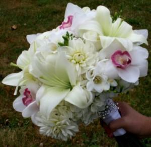 bunga-lili-pernikahan