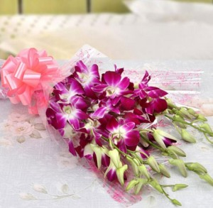 rangkaian buket bunga anggrek