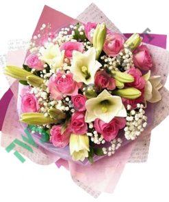 Buket Bunga Mawar dan lili
