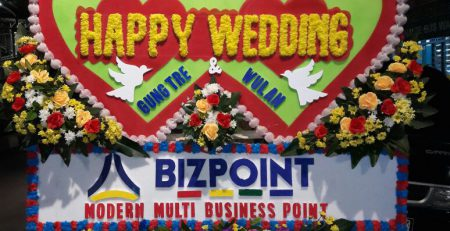 Bunga papan ucapan happy wedding